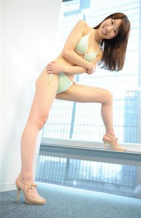【グラビア】巨人ファン友田里奈ビキニ水着画像