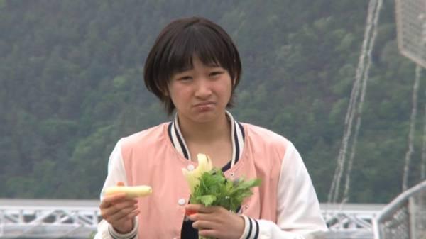 ハロメンが美味しそうに食べてる画像4「甘いお菓子うまうま」
