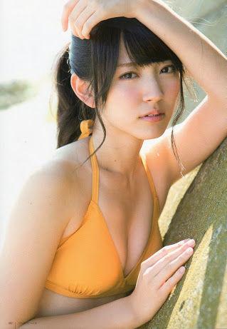 ℃-ute鈴木愛理のビキニ水着、ミニスカから生足・太ももドスケベ画像