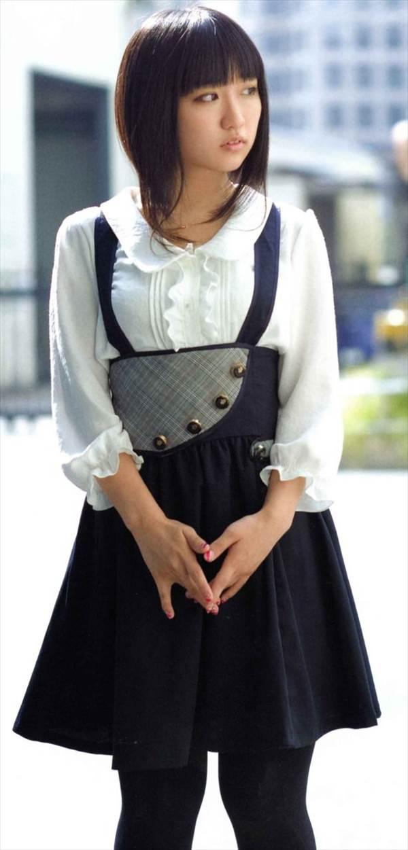 声優悠木碧のセーラー服姿などの可愛い画像