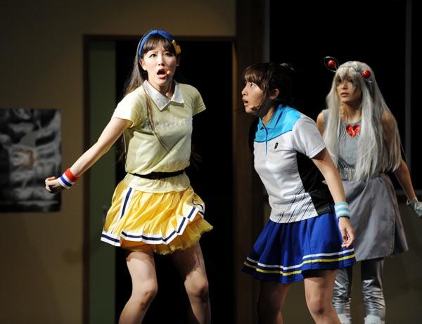 「てーきゅう」舞台版のミニスカートから見える太もも・生足画像