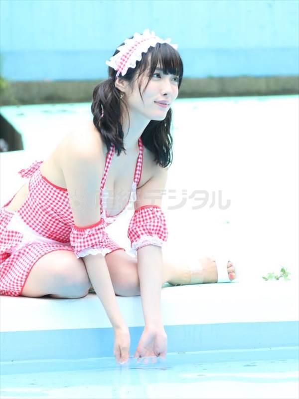 グラドル今野杏南がコンドーム宣伝大使でビキニ水着画像、「胸が大きく見える3Dビキニを買っちゃいました」