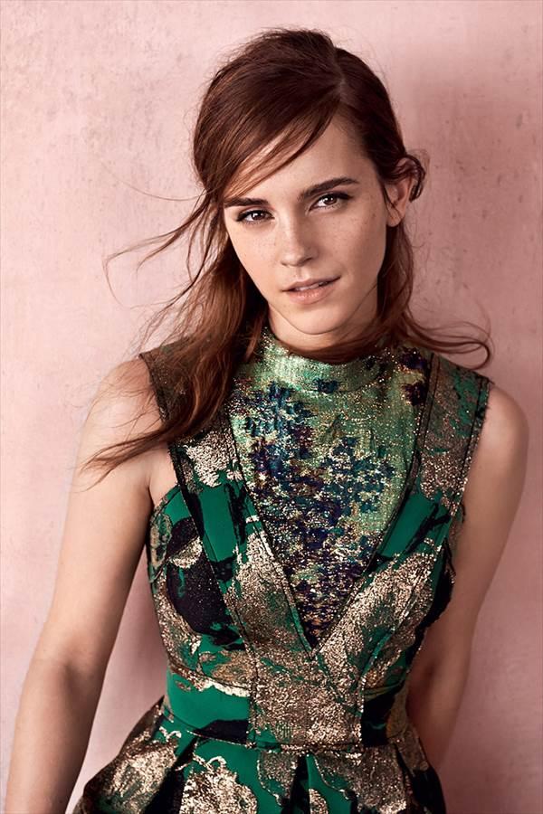 エマ・ワトソンのほぼノーメイクすっぴんのUK版「Vogue」表紙画像