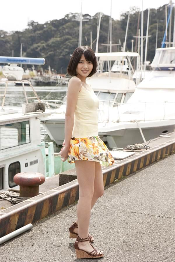 「ハロプロ的にギリギリの卑猥さ」と話題の写真集『Nobody knows 23』の℃-ute・矢島舞美のビキニ水着画像