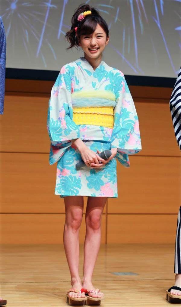 「みんな!エスパーだよ!」記念イベントで真野恵里菜と小島梨里杏のミニスカ浴衣姿画像