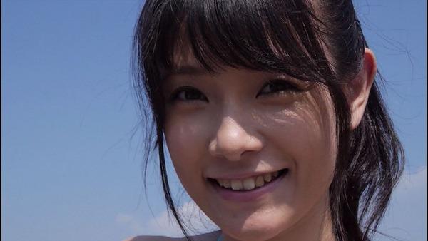アイドリング!!!の外岡えりかのお台場の海で撮影したイメージDVD「NEW STYLE」のビキニ水着画像